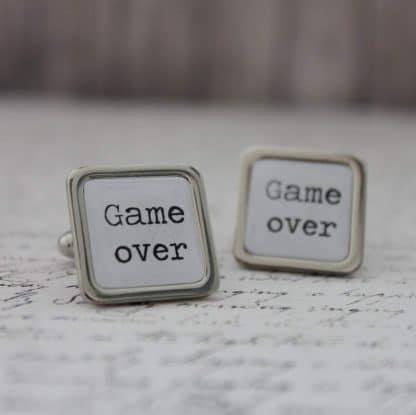 Manzetove gombiky na svadbu Game over