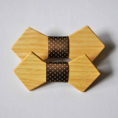 dreveny svadobny motylik pre otca i syna